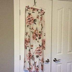 Floral Cream Crossover Maxi Skirt forever21 L